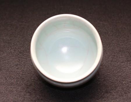 22303 三浦小平二(青磁ぐい呑)MIURA Koheiji