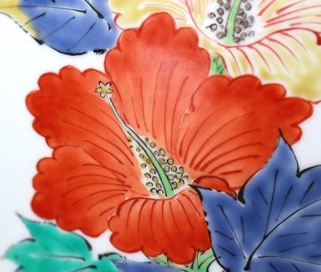 23801人間国宝 14代酒井田柿右衛門 (濁手四方割花文花瓶) SAKAIDA Kakiemon
