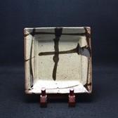 23274 人間国宝 島岡達三 (地釉流紋角皿) SHIMAOKA Tatsuzo